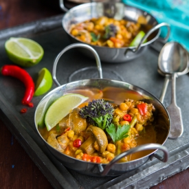 Chickpea, Mushroom and Broccoli Curry